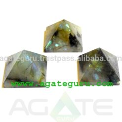 Crystal Labradorite Pyramid : Wholesale Pyramids Khambhat Supplier