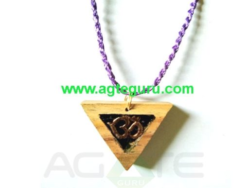 Orgone Handmade Orgone Necklace Flower of Life in Beautiful Space Design with High Vibrational Crystals in