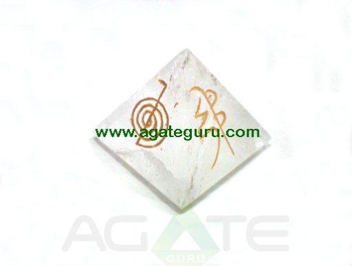 Crystal Quartz Usai Reiki big Pyramid.