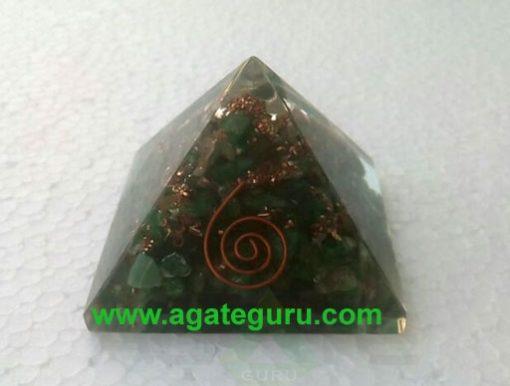Green aventurian orgone om pyramid